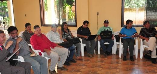 De la reunión participaron el gobernador de Concepción, Luis Urbieta (ANR); los secretarios de Agricultura y Obras Públicas de la administración departamental, Rubén Ramírez y José Luis Montiel/Foto Gentileza