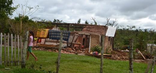 Humildes viviendas quedaron así.