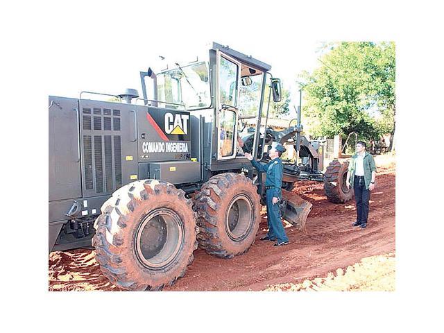 Trabajo social. Las FFAA ayudan al Ministerio de Obras Públicas en la reparación de caminos en la zona Norte./UH