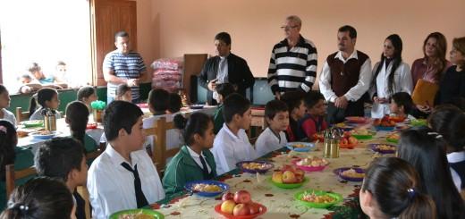 Las autoridades alentaron a los niños a cuidar s alimentación.