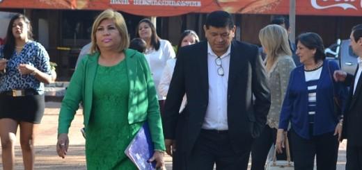 La intendenta llega con su familia a la comuna para la posesión de cargo