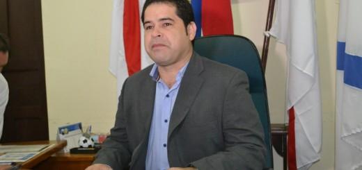 Alejandro Urbieta pide cooperación a los diputados