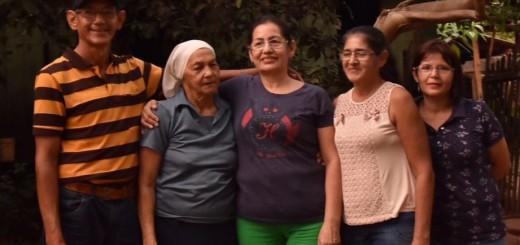 4 de los 12 hijos con la madre hallada