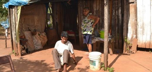 A la deriva. Viven en extrema pobreza y abandono en sus precarias viviendas. Reclaman ayuda a las autoridades.