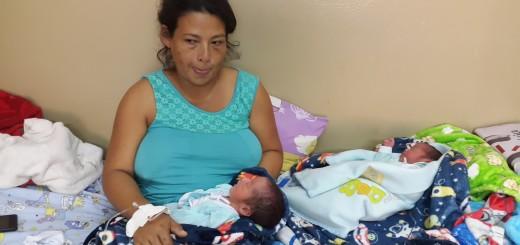 Sanos. Los pequeños y la madre están en buen estado de salud en el hospital de Concepción.