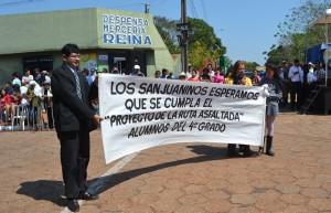 Alumnos del colegio San Juan de San Pedro reclaman ruta