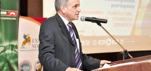 El Dr. Luis Enrique Villasanti, presidente de la Asociación Rural de Paraguay
