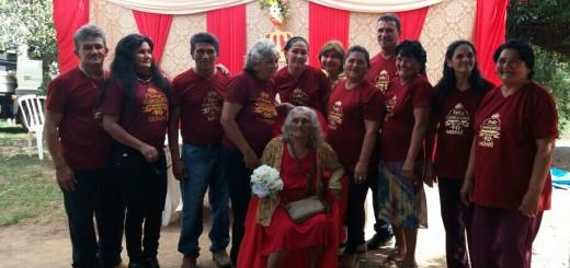 Agustina Bazán viuda de Martínez, rodeada de sus familiares