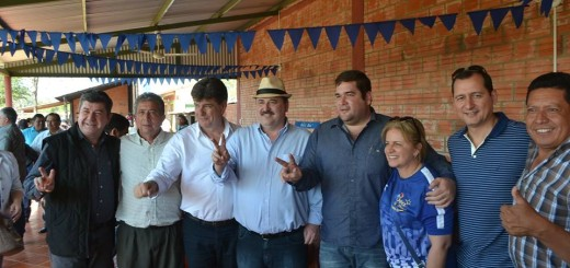 Alegre con Beatriz Denis, Ancho Ramírez, Andres Rojas, Milciades Sánchez en la Villa Safi.