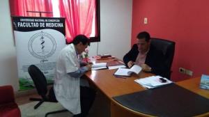 Los directivos firman el convenio