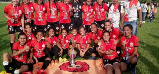 Plantel campeón femenino de YbyYaú