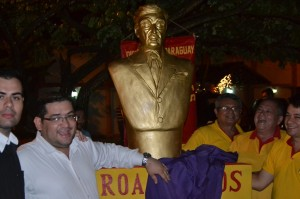 Homenaje. Por el centenario del nacimiento del escritor, se decidió honrar al renombrado intelectual paraguayo.