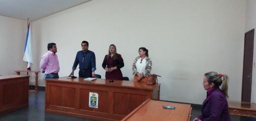 Los concejales tras el levantamiento de la sesión