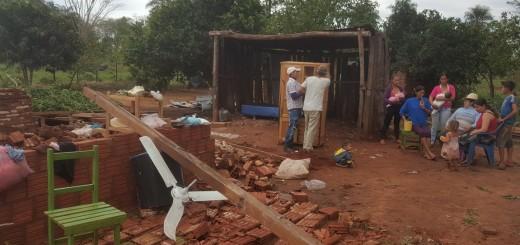 Así como la familia  Acuña, muchas personas están sin viviendas