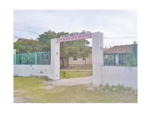 La escuela con nueva fachada/ foto UH