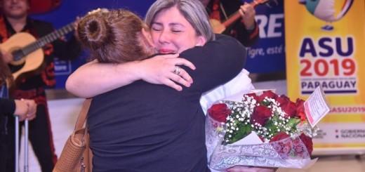 El emotivo encuentro entre una madre y su hija luego de 43 años.Foto: Juan Agüero. /UH/